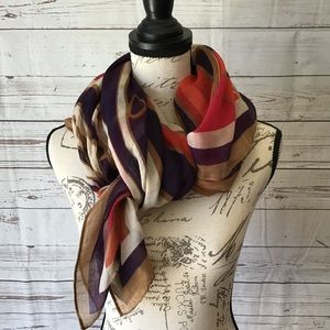 FLARE OF COLOR.  GUC Versatile multi colored scarf
